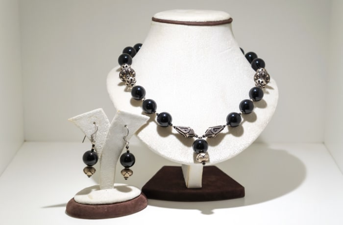 Black onyx gem earring and necklace set