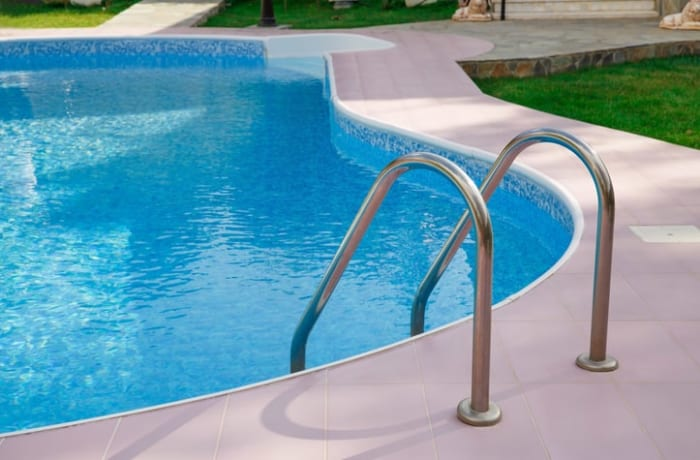 Chlorine for your swimming pool image