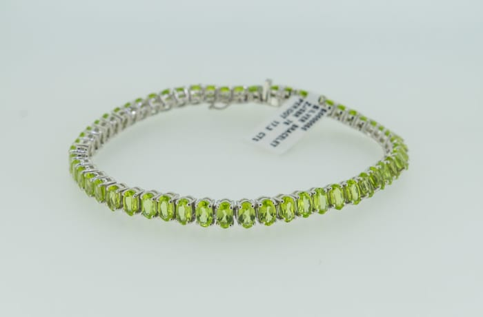 Silver chain peridot bracelet