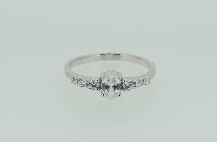 Seven stone engagement silver and crystal ring