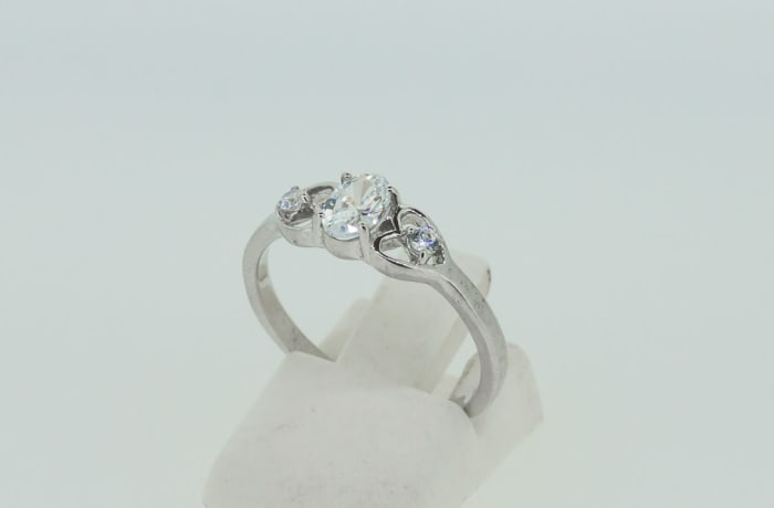 Engagement white gold 9k and round crystal ring + two heart crystals