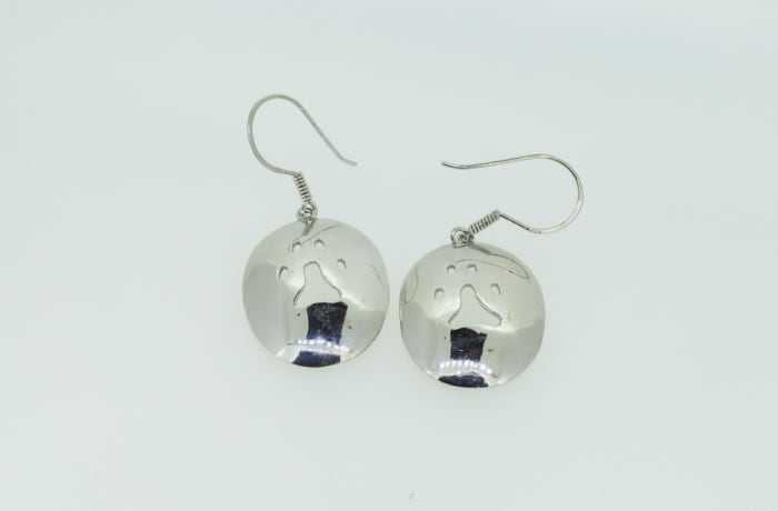 Silver earrings, with lion footprint