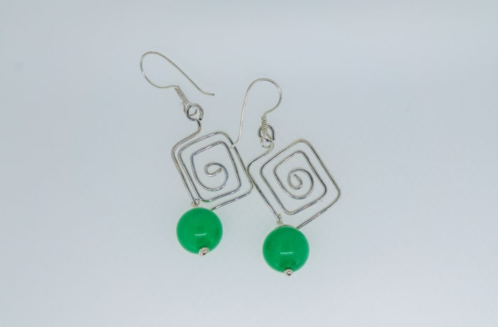 Silver earrings, square pattern with malachite gemstones