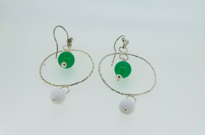 Twisted circle silver earrings with malachite and white gemstones
