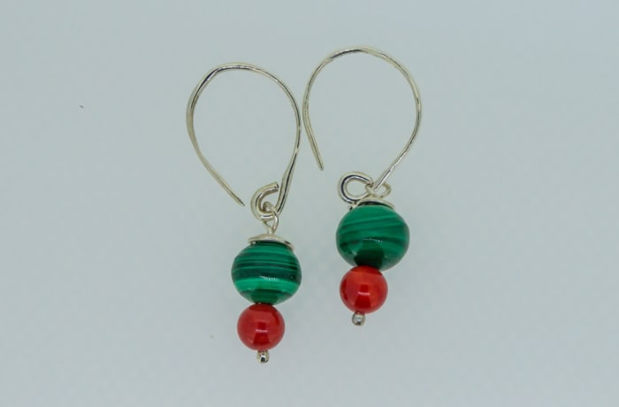 Silver earrings with ruby and malachite gemstones
