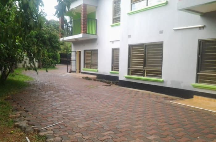 3 Bedroom apartment block to let in Woodlands image