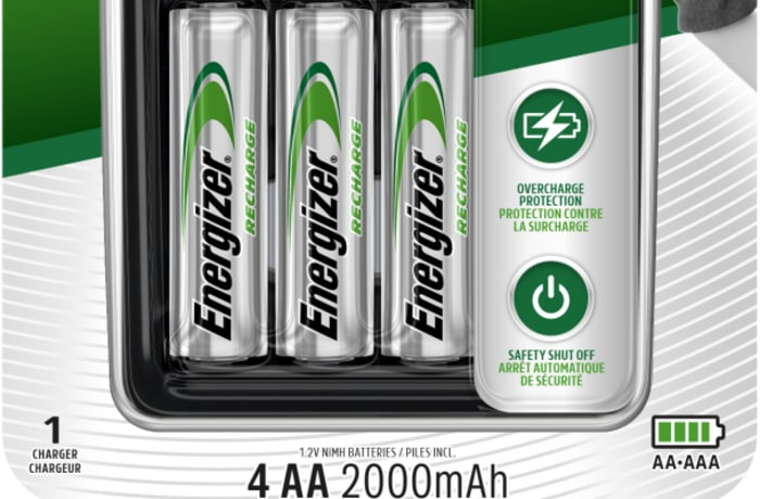 Energizer Charger: Maxi Charger ( with 4 x 2000mAh AAA Batteries)