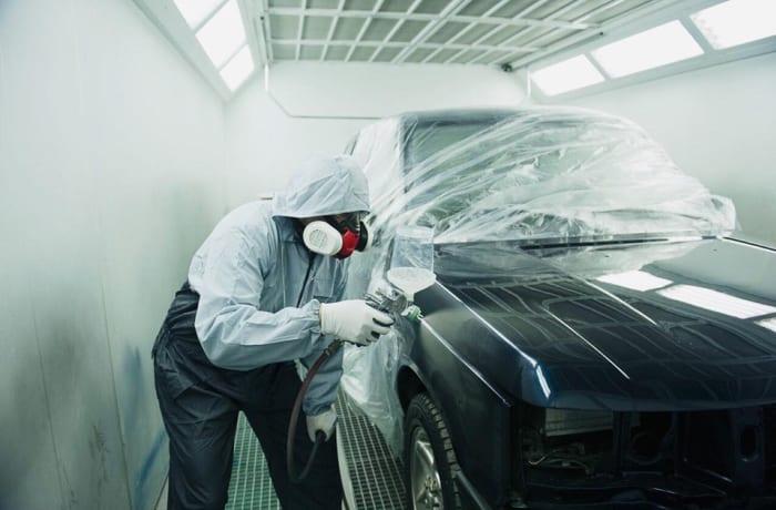 Car spray painting image