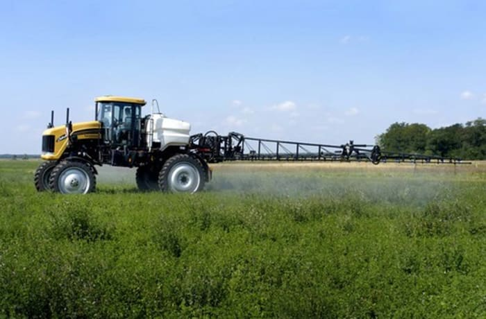 Challenger Spracoupe 7000 Sprayer
