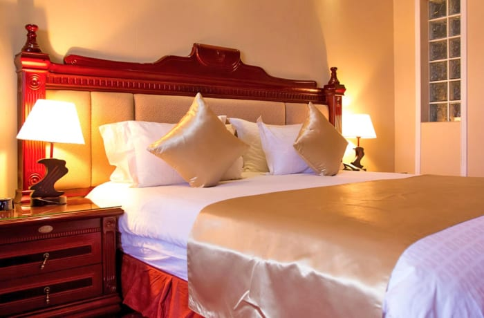 Standard Room | 1 King Bed