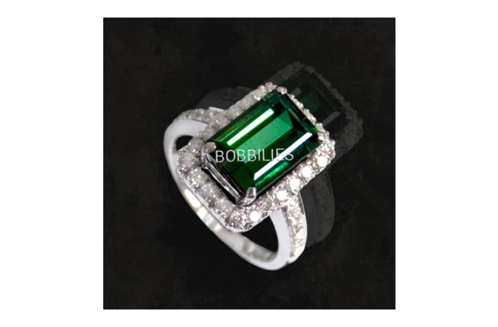 Ring - Emerald with Diamonds