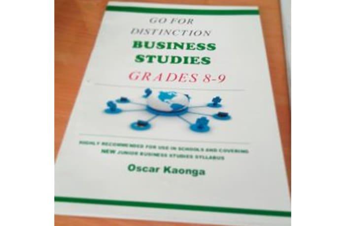 Go For Distinction Business Studies PB 8-9