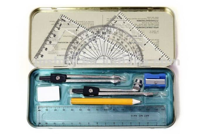 TD Mathematical Set With Compass
