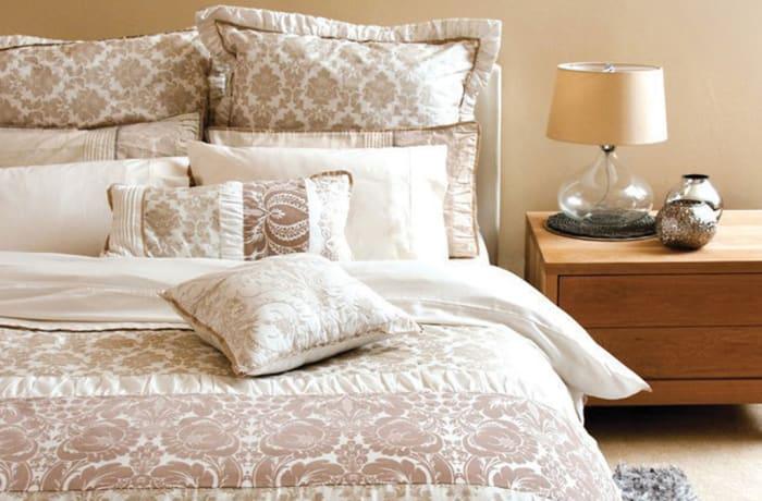 Marisa Bed