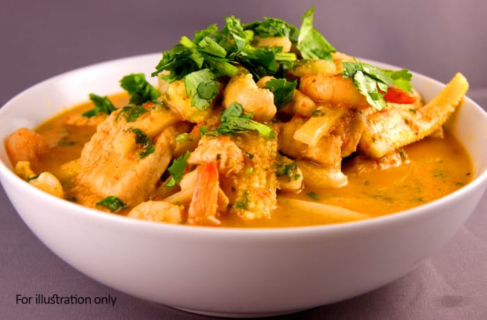 Main Courses - Chicken & Prawn Curry