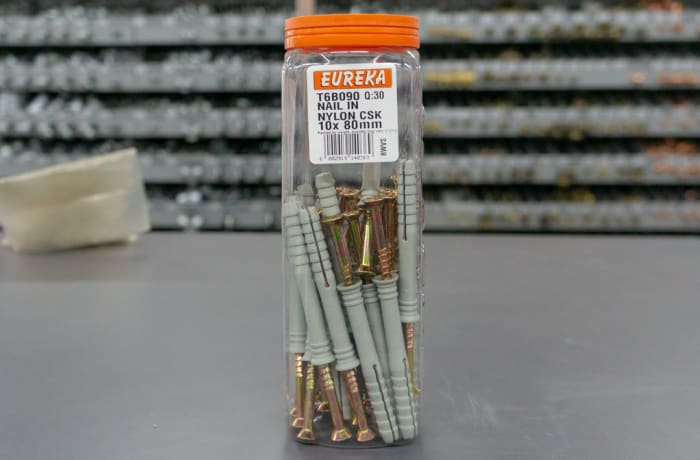 Eureka Screw  in Nylon plugs