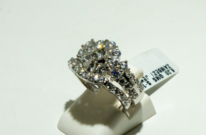 Silver 3-shank wedding set with multi swarovski crystals