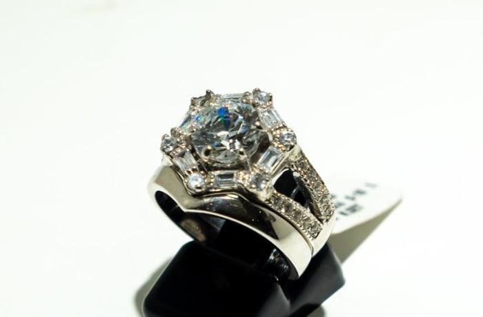 Hexagon swarovski crystal wedding set, split bands