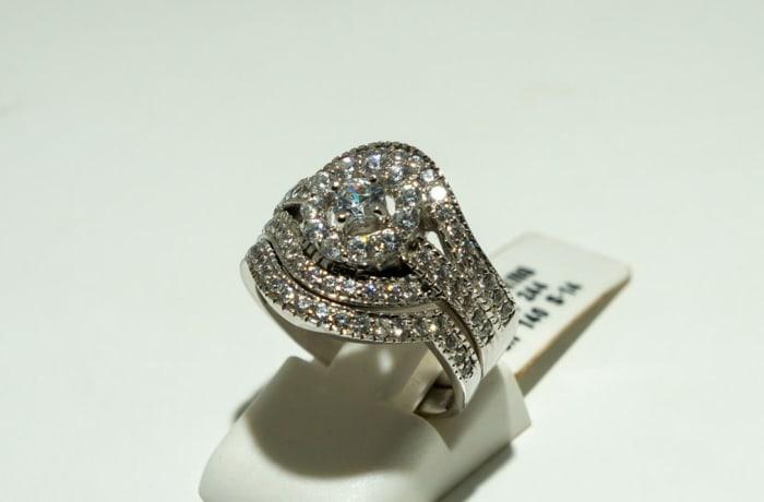 Silver and swarovski crystal wedding set ring