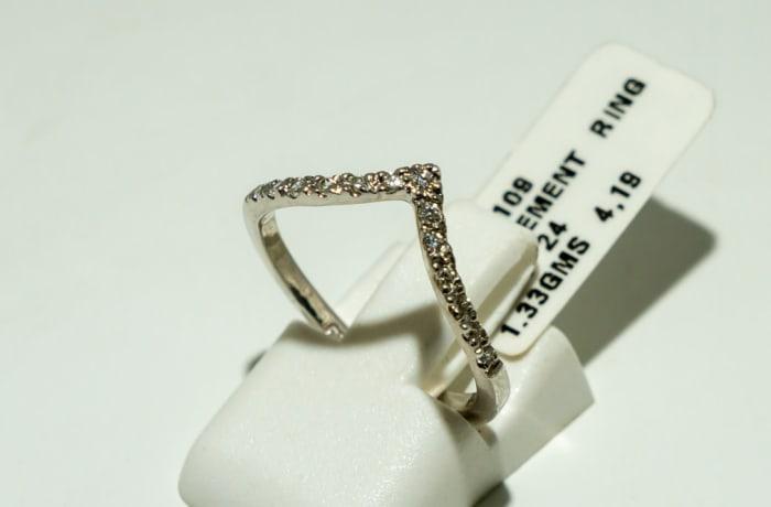 White gold diamond engagement contour guard band