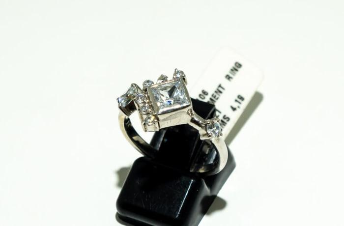 Silver, princess, baguette & round cut crystal gemstones engagement ring