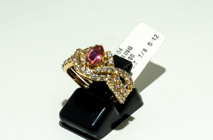 Yellow gold 9k 3-band ruby engagement ring with crystals