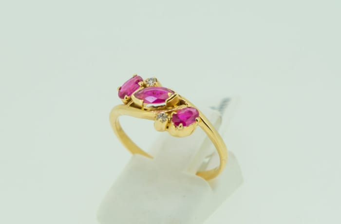 Yellow gold 14k ruby and diamond ring