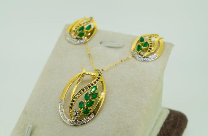 Yellow gold 14k emerald, black diamond and white diamond pendant and earring set