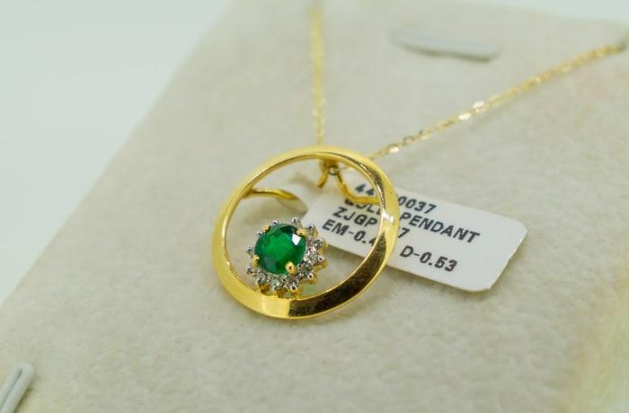 Yellow gold 14k emerald and diamond pendant