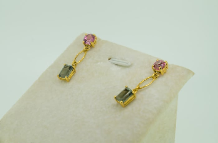 Yellow gold, emerald and pink tourmaline earrings