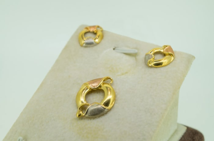 Yellow & rose gold 18k earring and pendant set
