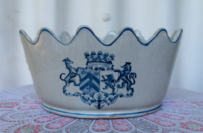 Fine White Crown Porcelain Vase with Blue Coat of Arms