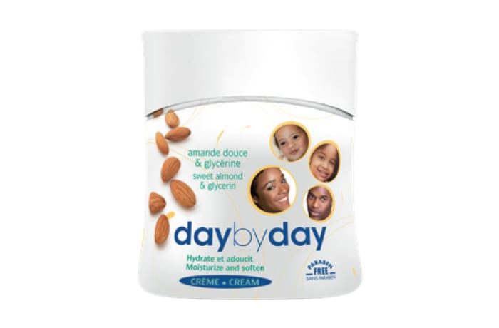 Day by Day Moisturizing Cream with Sweet Almond and Glycerine