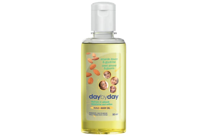 Day by Day Oil with Sweet Almond and Glycerine