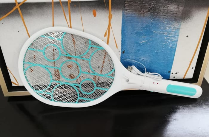 Electric fly swatter image