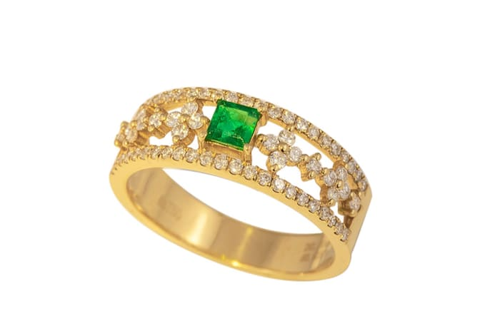 Yellow Gold Emerald  Fancy Ring