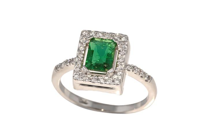 White Gold Emerald & Diamonds Solitaire Ring