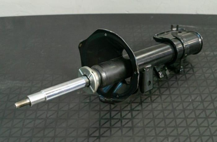 Nissan Pathfinder R50 - Front Strut