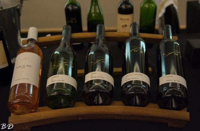 Wine shopping image