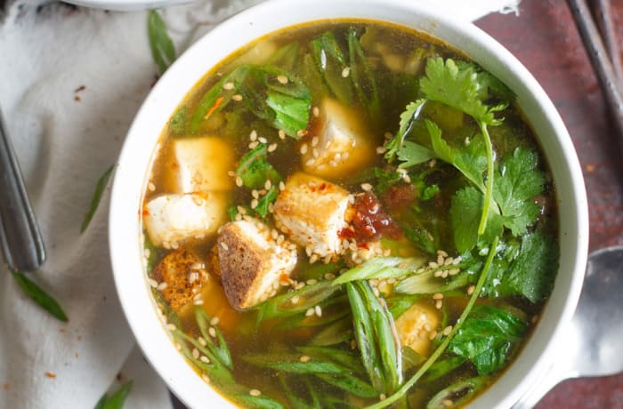 Chinese Cuisine - Brown Garlic Hot & Sour Vegetable Soup