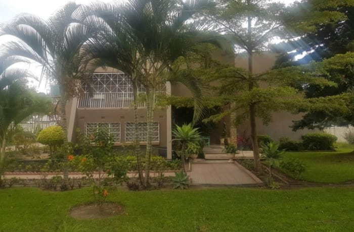 6 Bedroom Townhouse For Sale in Rhodespark, Lusaka