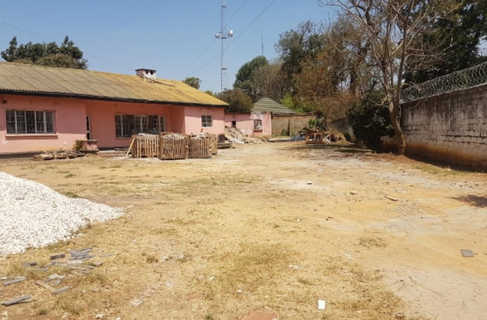 700m² Office For Sale in Rhodes Park