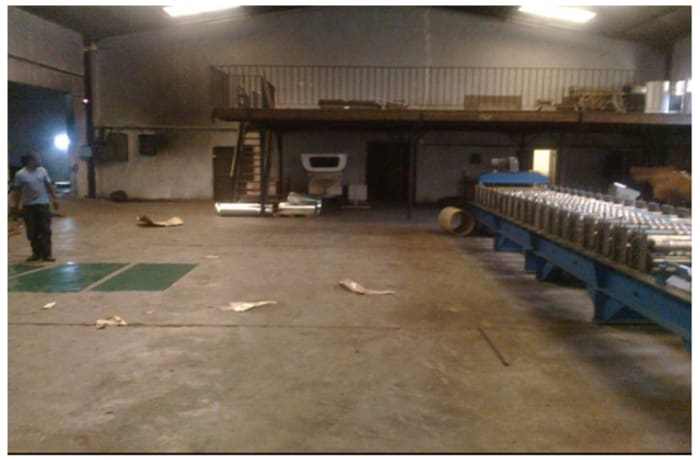 900m² Warehouse For Sale in Light Industrial Area
