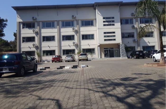 288m² Office to let in Longacres image