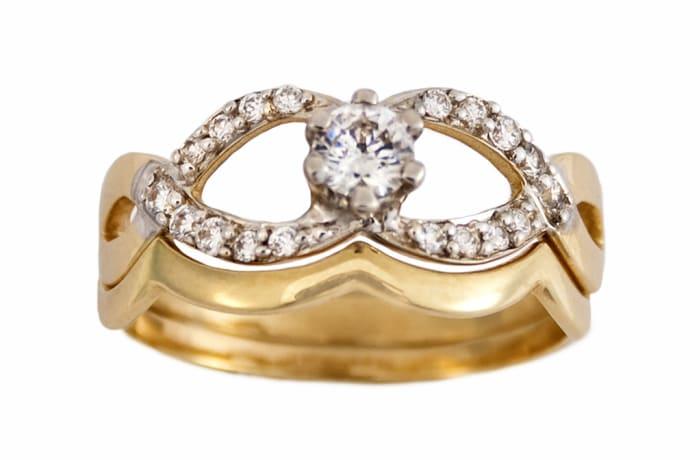 Interlocking Channel Set Gold Wedding Ring