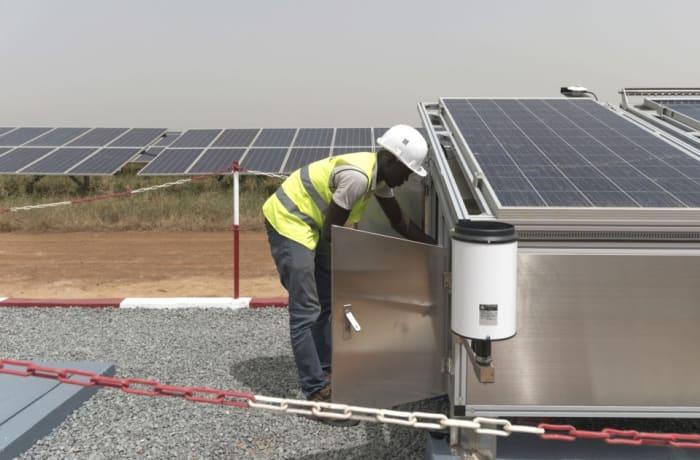 Renewable energy consultants image