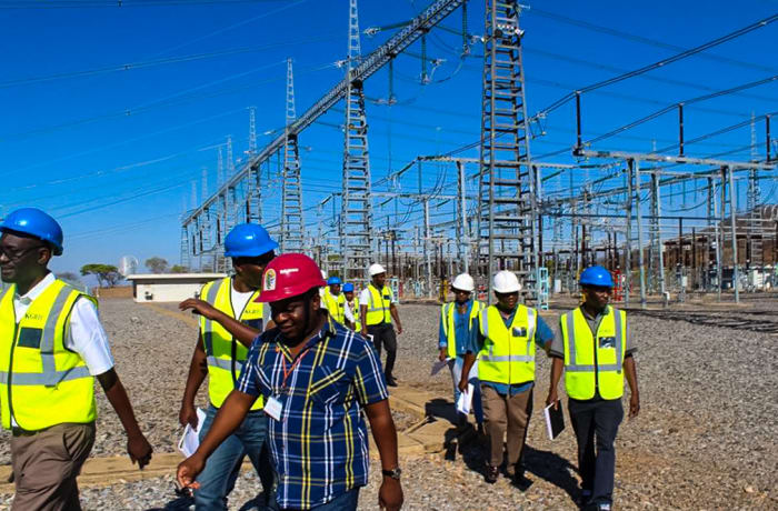 Transmission Lines Design and Construction