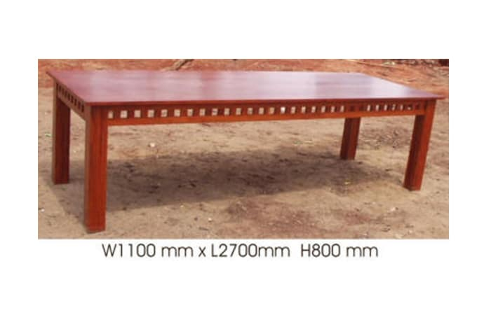 Dining table, 8-seater block feature