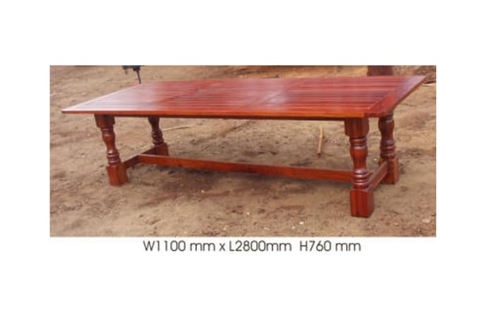 Dining table 10-seater with 4 turned legs