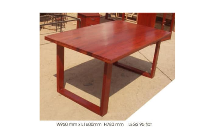 Dining table 6-seater mock 4cm top